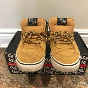 647506ead1 Vans Shoes - Vans Half Cab (hiker) Suede Tan